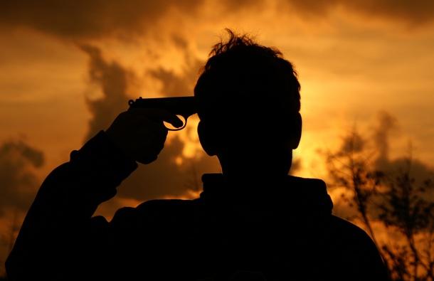 Средно по двама българи се самоубиват всеки ден. През 2015