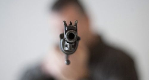 Албански гражданин е убил 8 свои роднини с автоматична пушка.