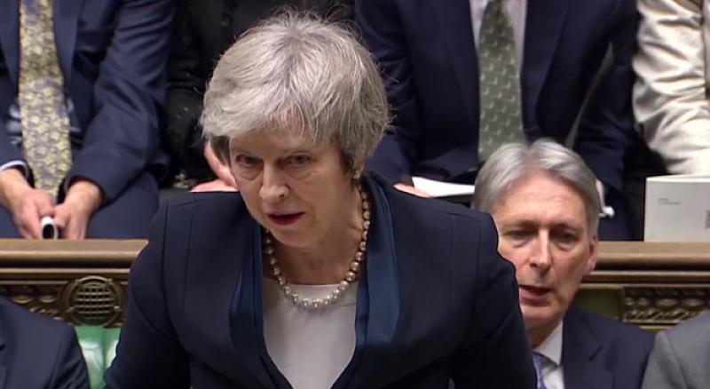 """432 британски депутати гласуваха """"против"""" сделката за Брекзит на Мей."""