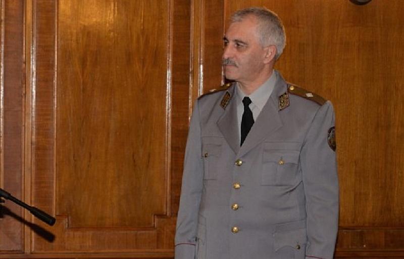 """Бригаден генерал Пламен Ангелов прие длъжността директор на служба """"Военна"""