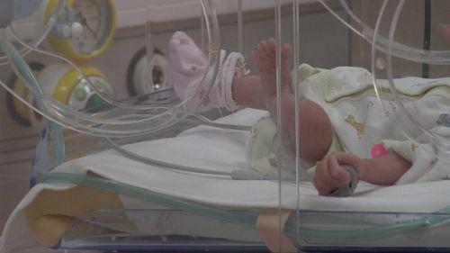Установена е жената, която изостави бебе пред болницата в Петрич.