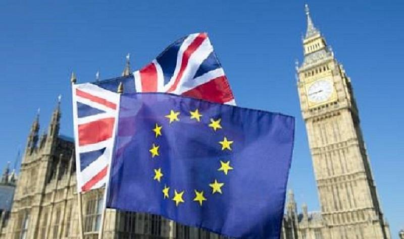 Лондон трябва да обмисли вариант за по-дълъг период на Брекзит
