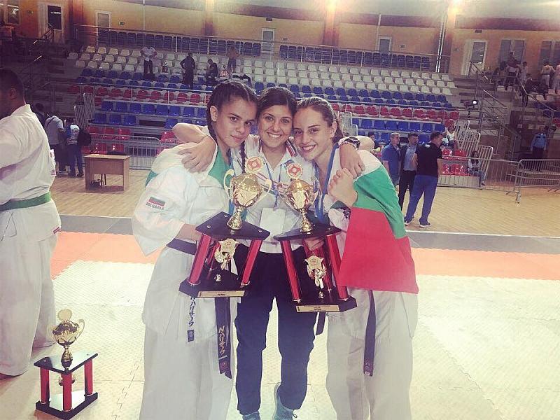 Младежите и девойките от националния отбор по карате киокушин на