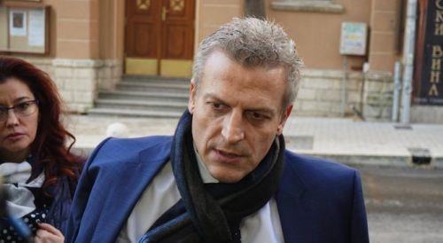 Репортерът Петър Нанев от БТВ може да окачи на колана
