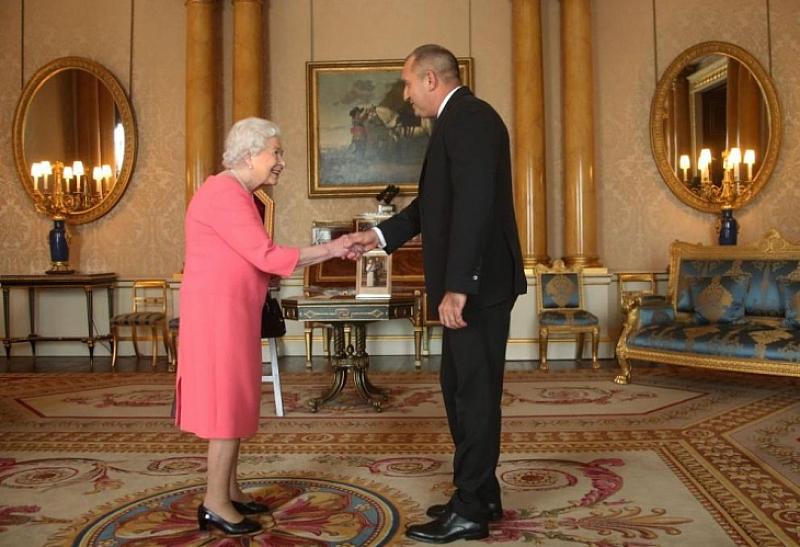 Президентът Радев се срещна с кралица Елизабет II в Бъкингамския