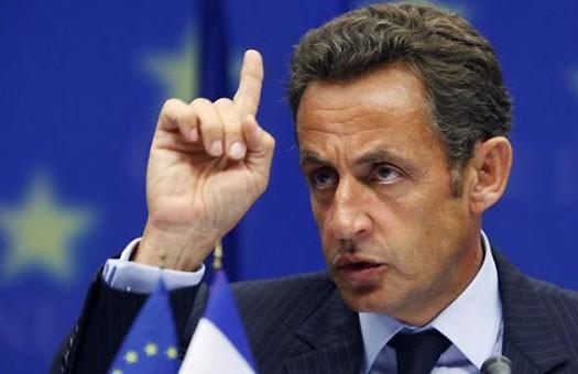 Френският президент Никола Саркози е наредил подслушване на министрите си,