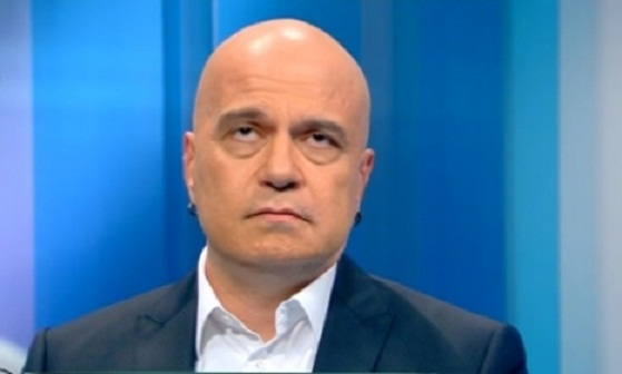 Слави Трифонов: Да се спира референдум е долно и неуважително
