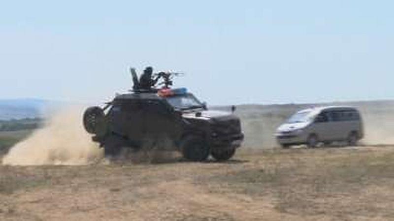 Около 500 чуждестранни военнослужещи с щатно въоръжение и снаряжение и