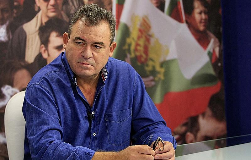 Опозицията напусна парламента, защото герберастите, психопатриотите и една етническа партия