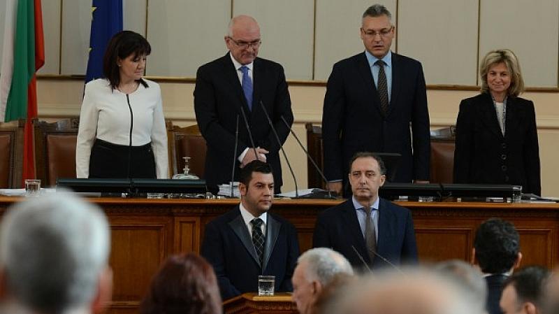 Снимка: Актьорът Евгени Будинов официално зае мястото на Антон Тодоров