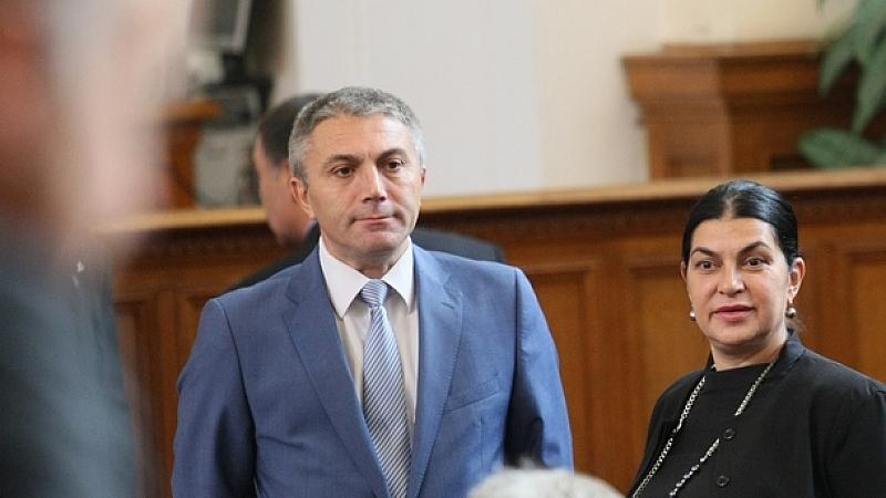 Снимка: ДПС иска Борисов да се разграничи от Каракачанов за ромите