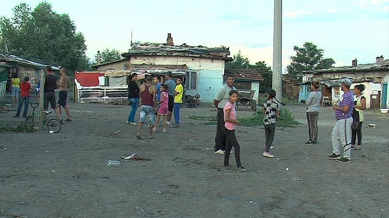 След няколко предупреждения да напуснат, самонастанилите се ромски семейства ще