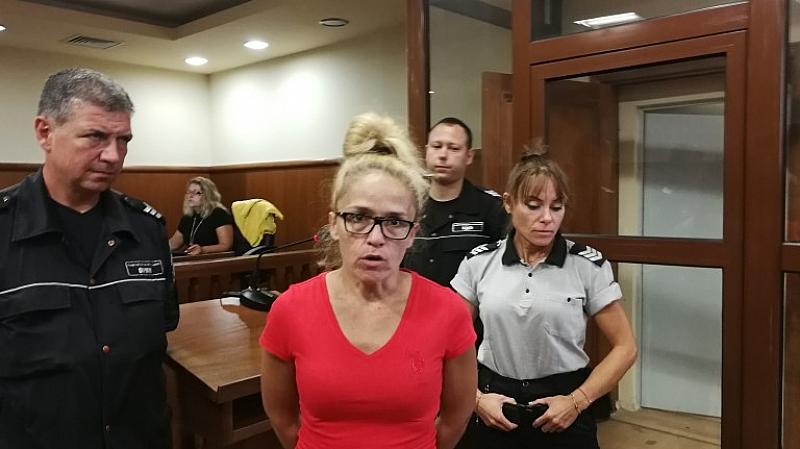 Съдът е решил да пусне Десислава Иванчева и Биляна Петрова
