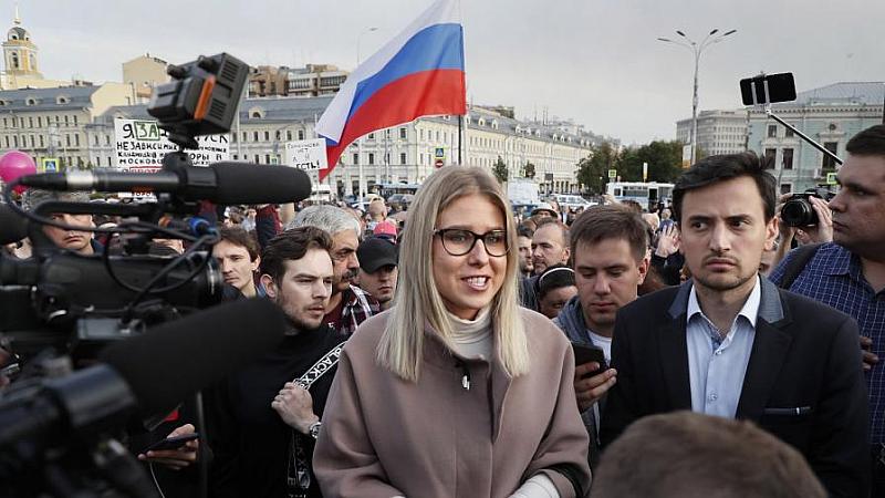 Руската опозиционерка Любов Собол е била задържана от полицията вчера