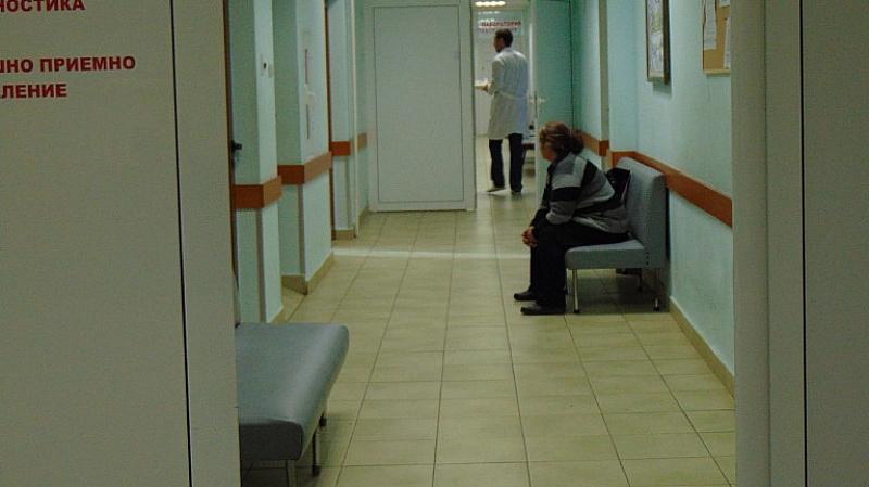 Лекар в системно нетрезво състояние преглежда пациенти, изписва грешни лекарства