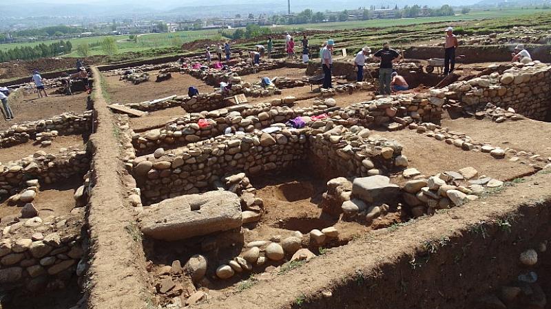 Граждани проведоха днес шествие с искане находките в римското селище