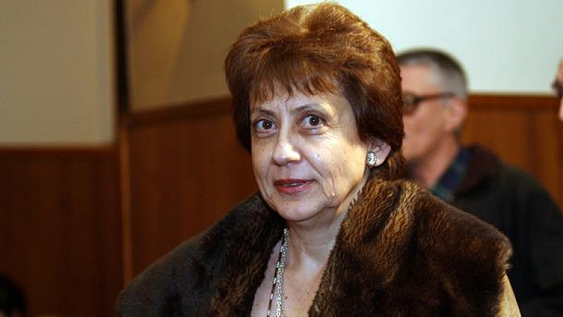 Снимка: Р. Инджова: Излъчените наши евродепутати ще бъдат най-лошите и излишни за ЕП