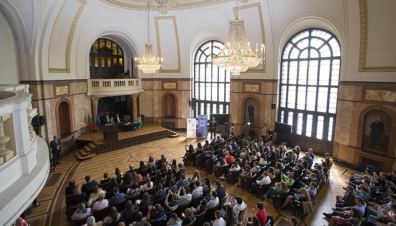 Софийският университет е единственият, който ще намали таксите за част