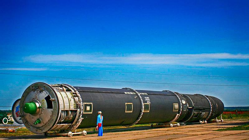 Русия изстреля пробно балистични ракети от две ядрени подводници. Тестът