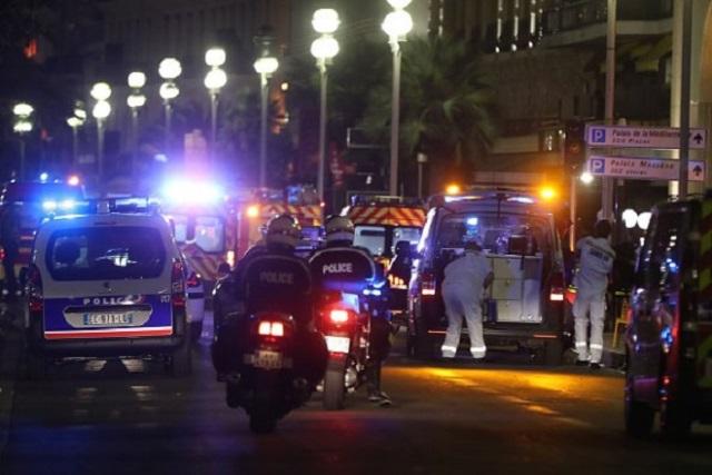 КЪРВАВ ТЕРОР! Над 80 души загинаха при атентат в Ница