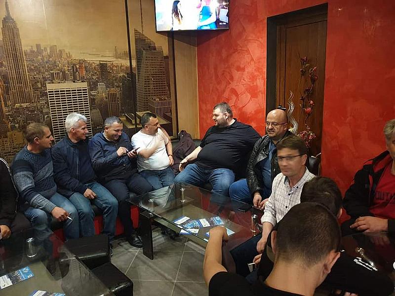 Унизителна е срещата с Делян Пеевски във Велинградско. Почетният председател