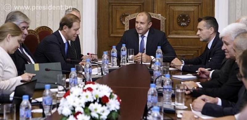 Президентът Румен Радев се срещна днес с Денис Мантуров -