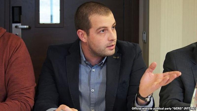 Двата апартамента, които заместник-председателят на ГЕРБ Цветан Цветанов е заменил