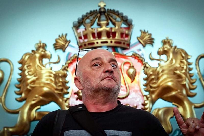 Фоторепортерът на Клуб Z Веселин Боришев беше задържан преди вчерашния