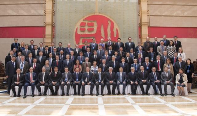 """Станишев в Китай: ЕС е отворен за китайски инвестиции, а България е """"вратата"""" към Европа"""
