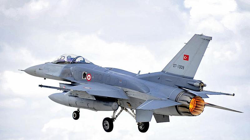 Турски хеликоптери са обезпокоили хеликоптера на гръцкия премиер Алексис Ципрас