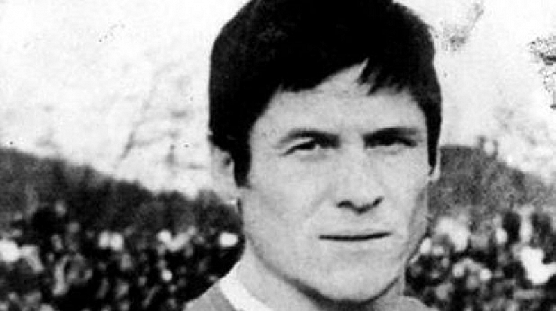 Футболна легенда №1 на Ботев Динко Дерменджиев-Чико е в много