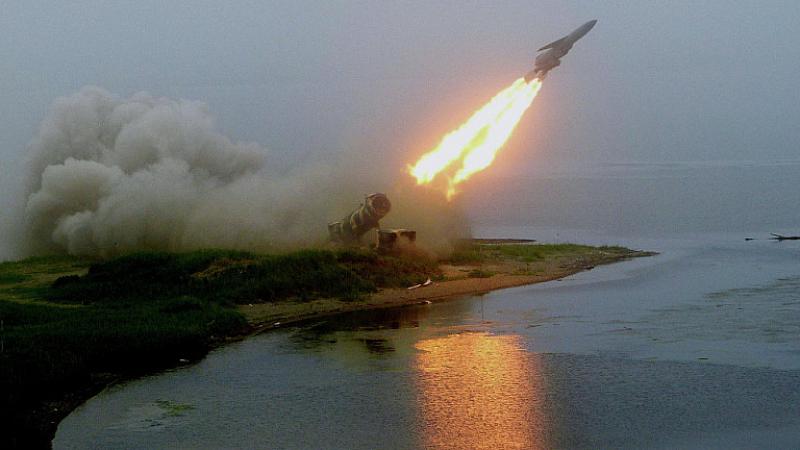 """Снимка: """"Пълна глупост"""" било Русия да удари САЩ с ракети """"Циркон"""""""