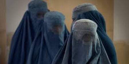 НС одобри забрана за носене на бурки на обществени места