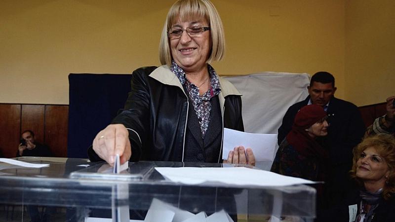 Цецка Цачева подаде оставка като министър на правосъдието. Да оставим