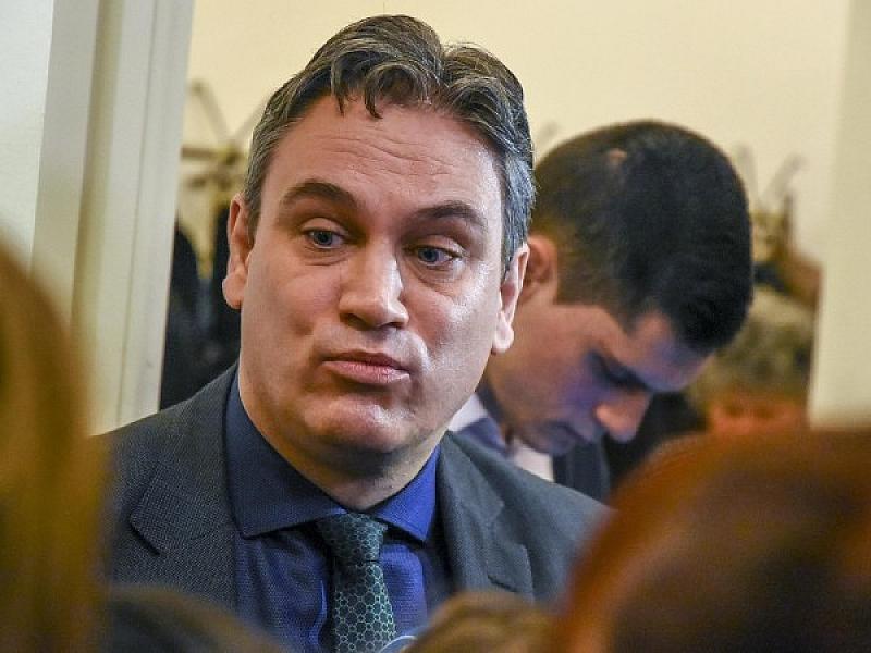 Снимка: Защо шефът на КПКОНПИ си излива душата само в пеевските медии!?