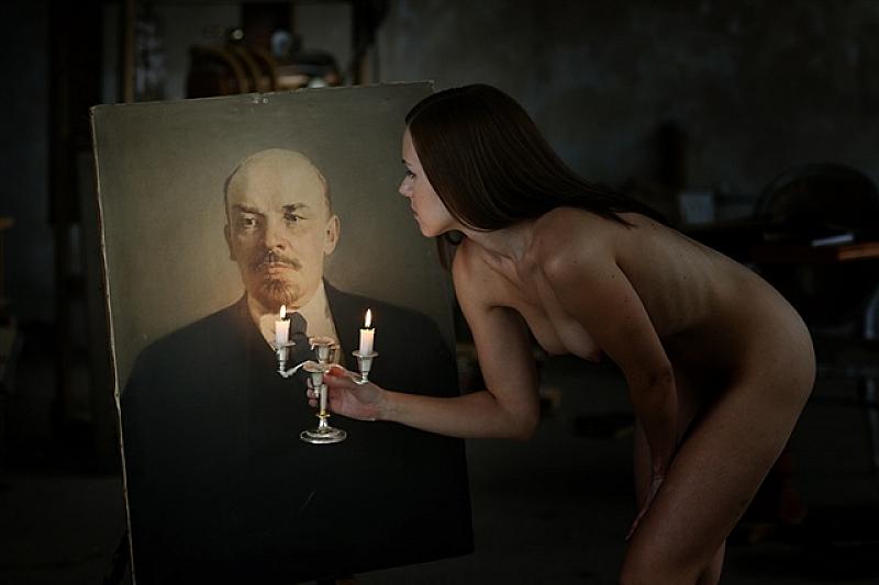 """""""Треперете гадове, Ленин се събуди!"""", """"Ленин е жив!""""... Тези послания"""
