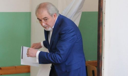 "Тежките битки на Местан срещу ""митологемите"""