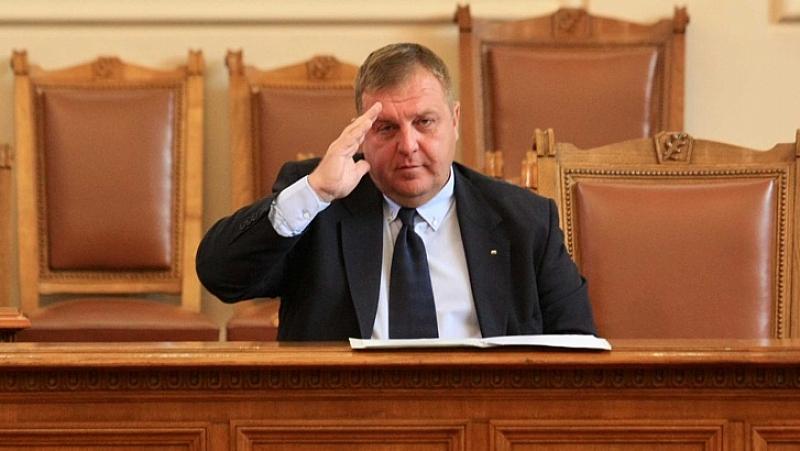 """Красимир Каракачанов, известен още като агент """"Иван"""", започна предизборната кампания"""
