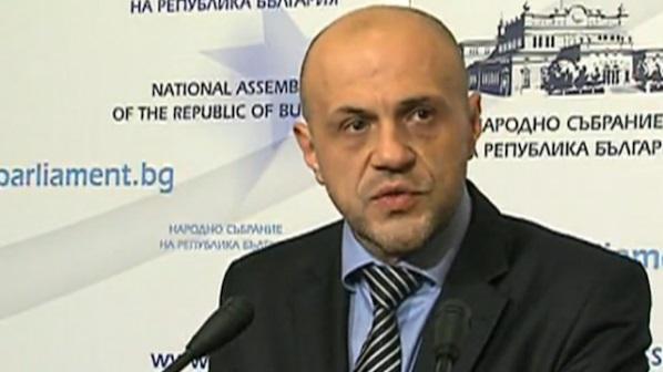 Томислав Дончев: Не виждам интрига от срещата на премиера в Лондон