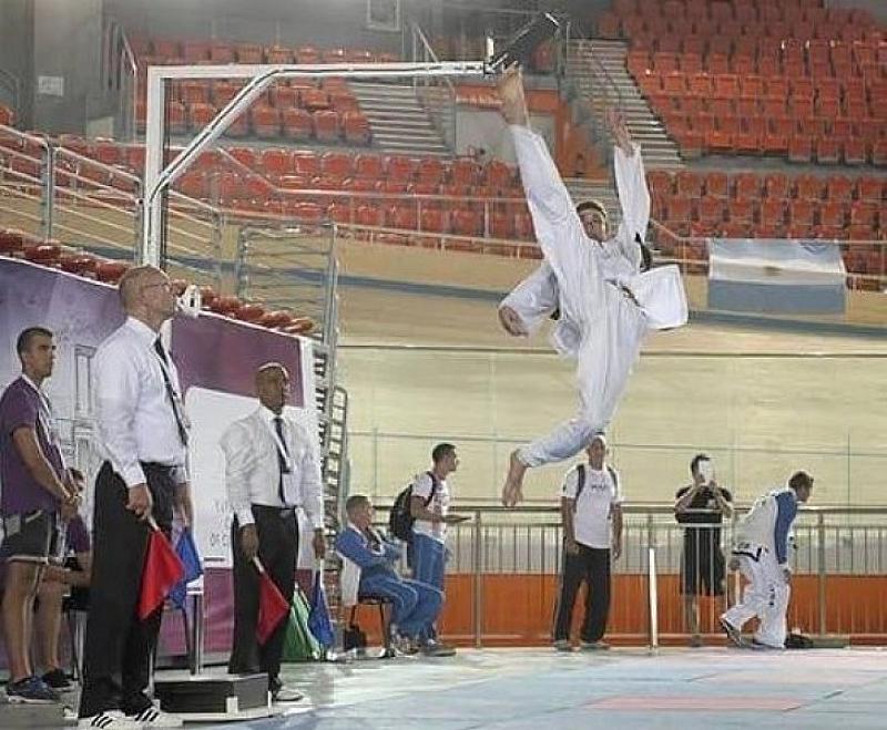 Българският състезател по таекуон-до Никола Николов се прицели в рекорд