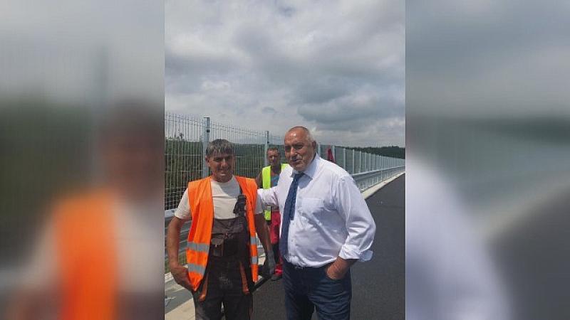 Министър-председателят Бойко Борисов инспектира строително-ремонтните дейности на виадуктите на автомагистрала