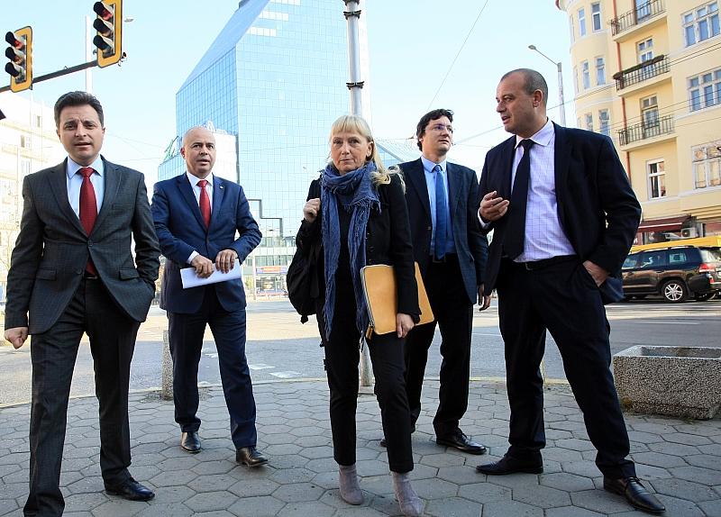 """Депутати от БСП внесоха в Агенция """" Пътна инфраструктура"""" искане"""