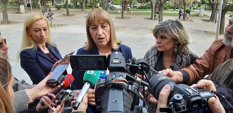 Не съм принудена да подавам оставка, заяви в Стара Загора