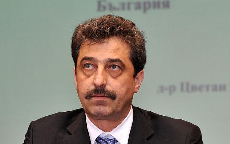 Цветан Василев публикува в личния си блог своя позиция във