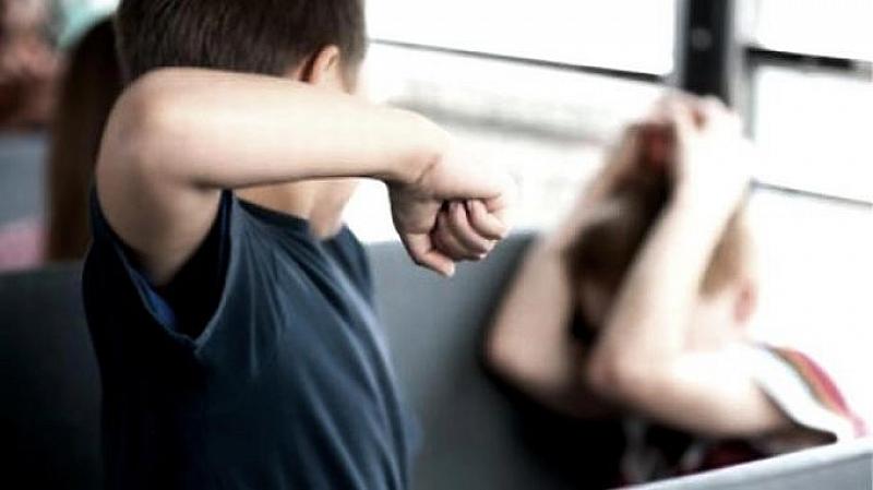 Баща преби двете си деца в Разградско, съобщиха от полицията.
