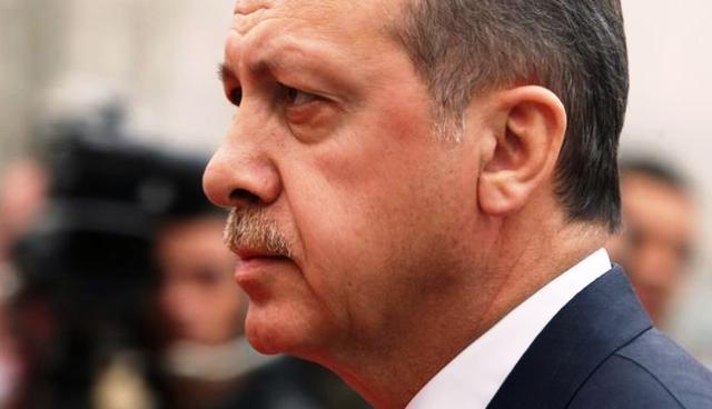 Ердоган печели референдума, става диктактор