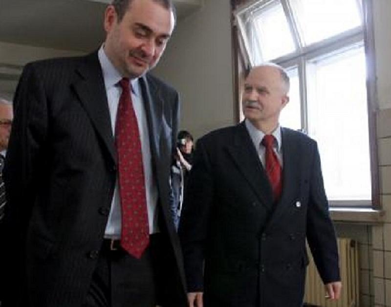 Бившите главни прокурори Никола Филчев и Борис Велчев демонстрираха в