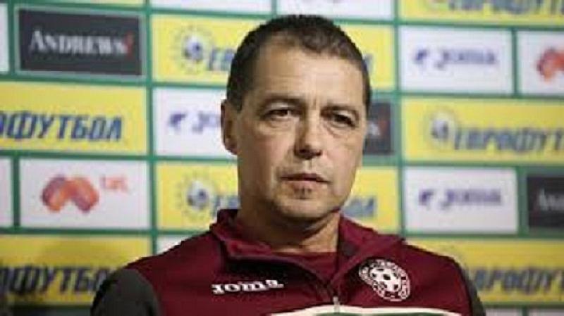 Селекционерът на българския национален отбор по футбол Петър Хубчев очаква