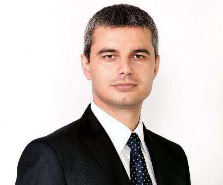 Костадинов за Фрог: Докато ДПС подменяше историята, на българите ни забраниха да сме жертви