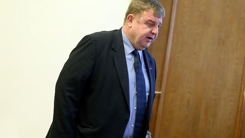 Вицепремиерът и лидер на ВМРО Красимир Каракачанов свърза случая в